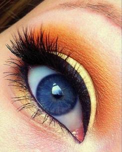 8 astuces pour choisir son maquillage en fonction da la couleur de ses yeux et de ses cheveux. Black Bedroom Furniture Sets. Home Design Ideas