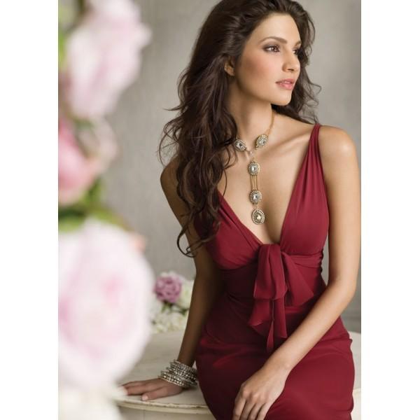 robe-de-soiree-a-petit-prix-decollete-v-en-mousseline-bordeaux-tres-sublime