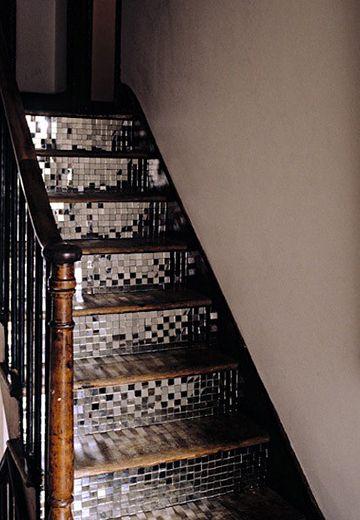 6 id es d co pour customiser vos escaliers astuces de filles. Black Bedroom Furniture Sets. Home Design Ideas