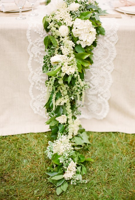 Floral-Table-Runners-KT-Merry-01