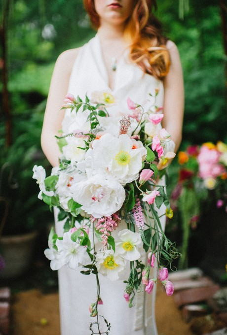 pittsburgh-pa-real-wedding-photo-white-and-pink-garden-bouquet