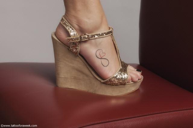 tatouage-infini-à-la-cheville-femme