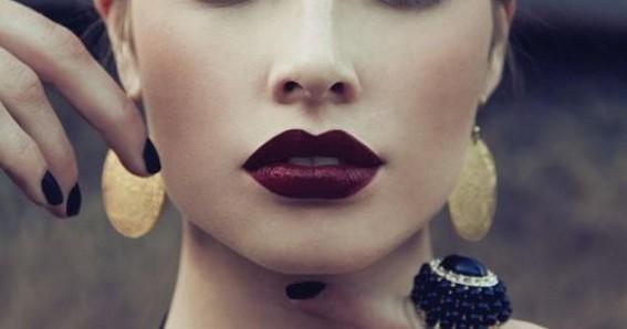 top-5-des-plus-belles-couleurs-de-rouge-levres-fonces-263386