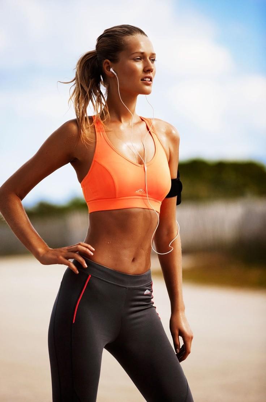 ensemble sport femmes fitness nike