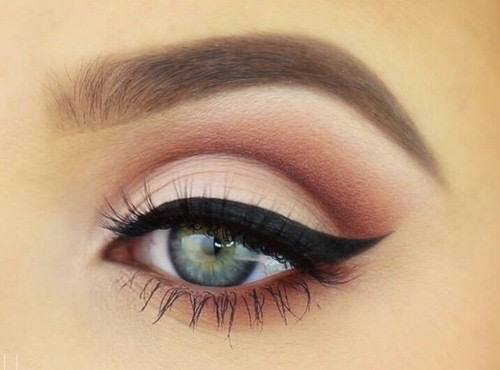 eyeliner-simple-a-faire
