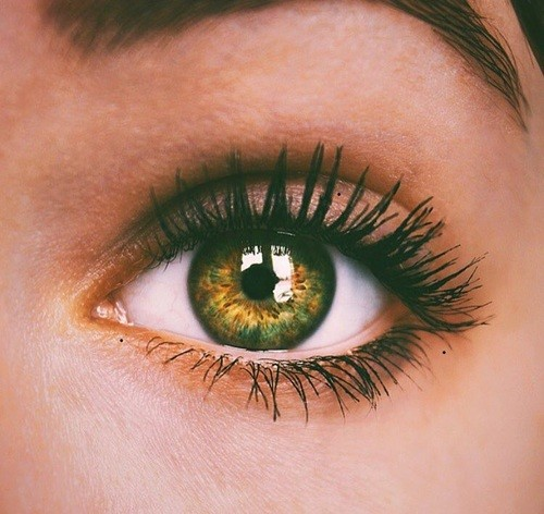 maquillage-yeux-clairs