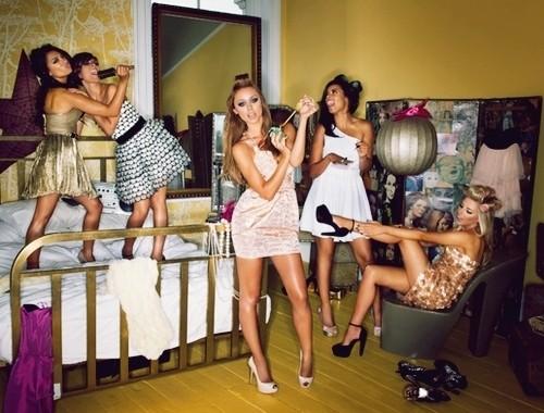 10 signes incontournables d une soir e entre copines r ussie astuces de filles. Black Bedroom Furniture Sets. Home Design Ideas