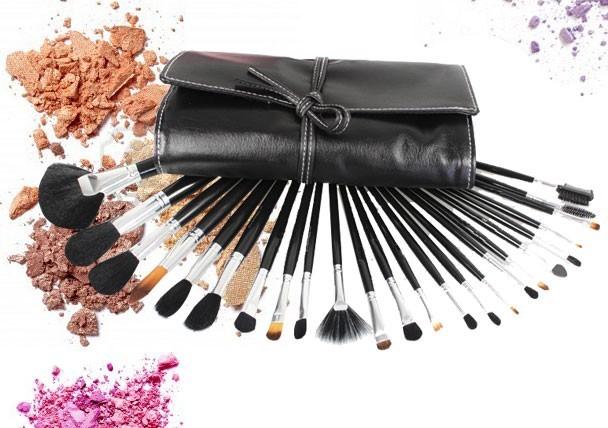 Populaire Top 9 des pinceaux maquillage indispensables | Astuces de filles KY09