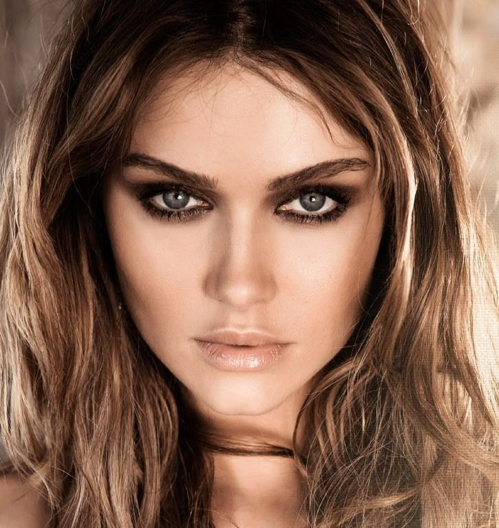 8 Astuces Pour Choisir Son Maquillage En Fonction Da La Couleur De
