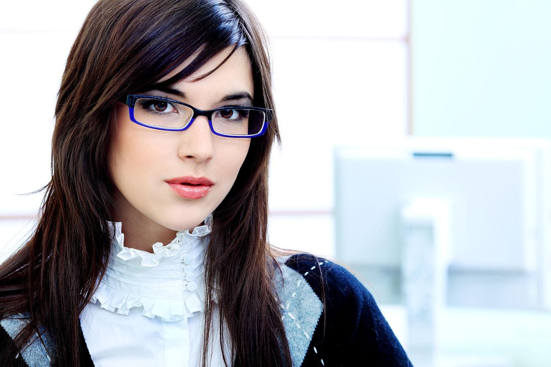 d2fd9961ec9382 free femme avec lunette de vue destin astuces pour bien choisir ses lunettes  de vue en with choisir ses lunettes de vue homme