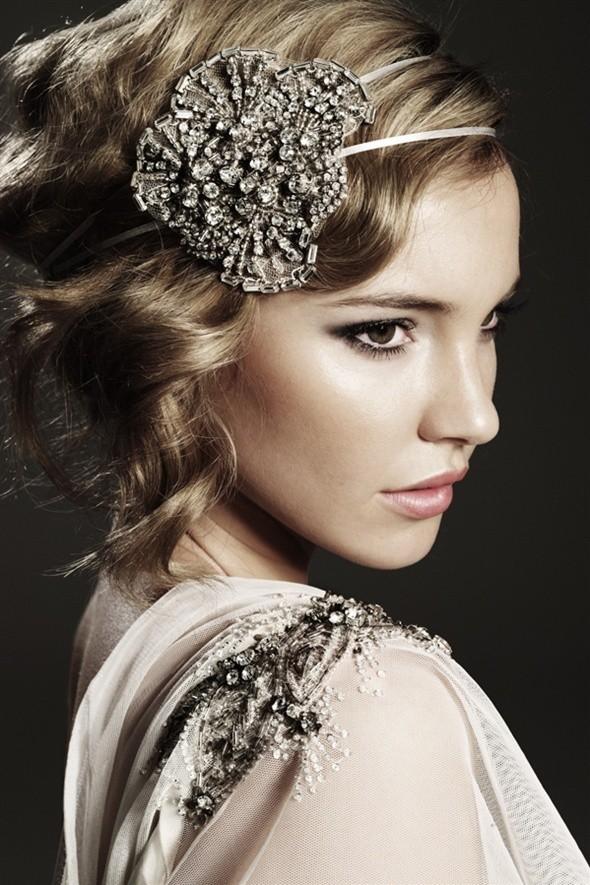 9 accessoires de cheveux pour un mariage romantique astuces de filles. Black Bedroom Furniture Sets. Home Design Ideas