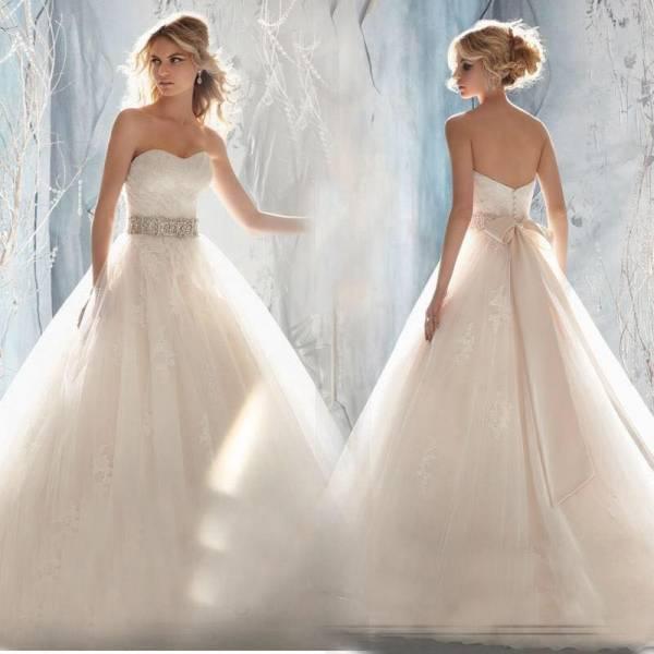 robe de mariage les plus belle. Black Bedroom Furniture Sets. Home Design Ideas