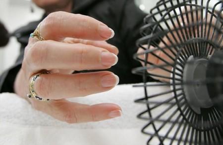 5 astuces pour faire s cher votre vernis plus vite astuces de filles page 5 - Temps de sechage peinture auto avant vernis ...
