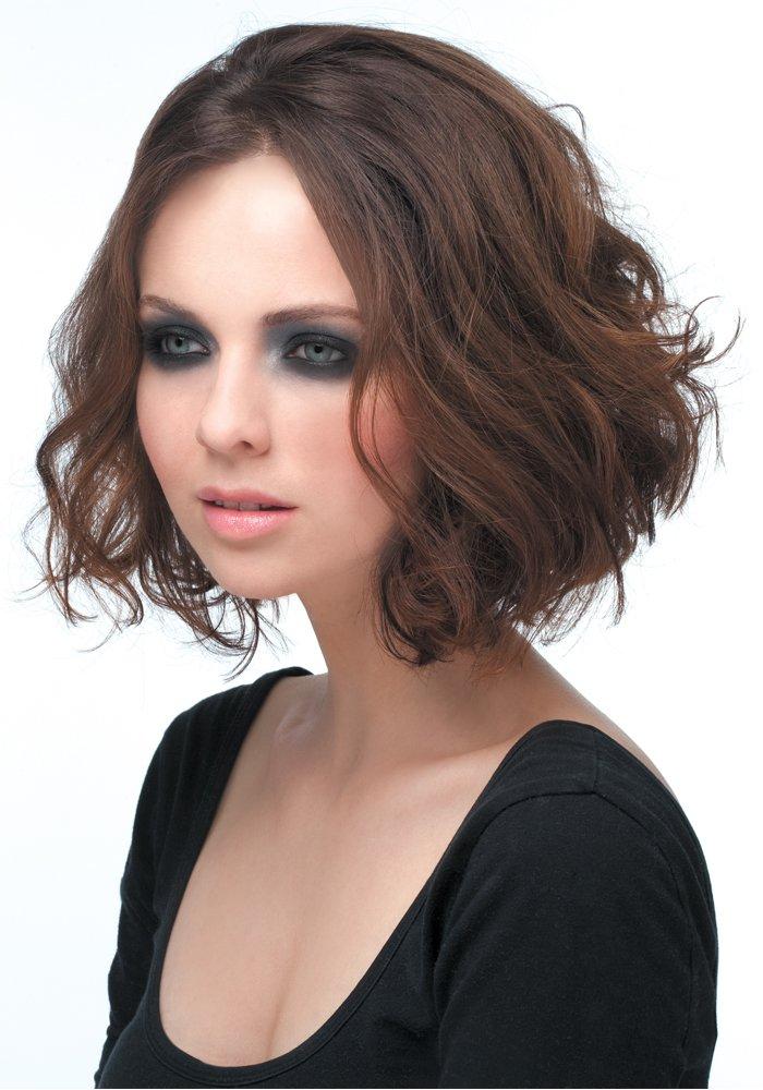 35 id es pour coiffer les cheveux boucl s astuces de filles. Black Bedroom Furniture Sets. Home Design Ideas
