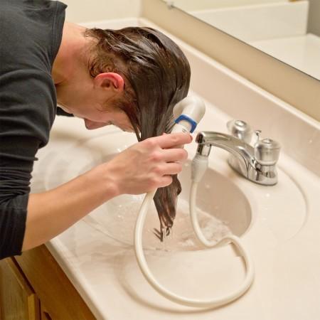 astuces-beaute-a-adopter-au-quotidien-cheveux-gras-450x450