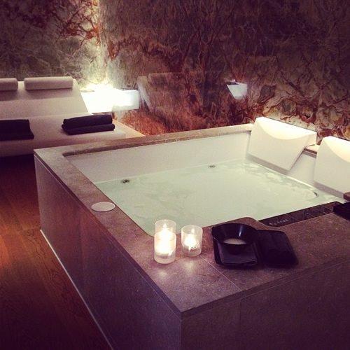 Les 50 plus belles salles de bain astuces de filles page 2 for Plus belle salle de bain au monde
