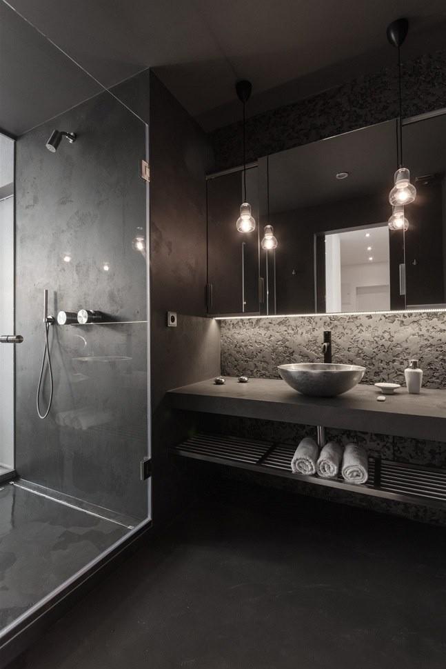 Salle-de-bain-gris-elegant-douche