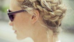 10 coiffures adorables pour les filles aux cheveux mi-longs