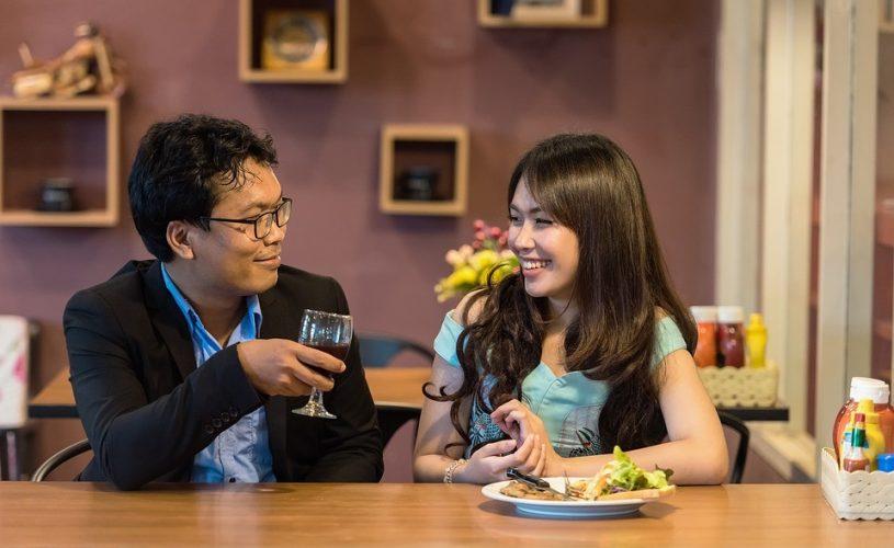 6 comportements féminins que les hommes adorent